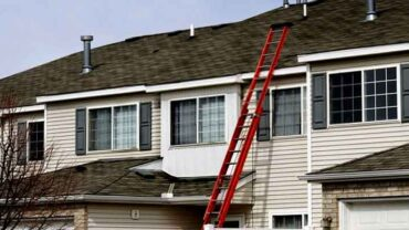 What Size Ladder for a Two Story Home?
