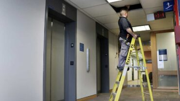 Portable Ladder Safety Tips and Using Guide